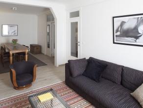 Prachtig gerenoveerd INSTAPKLAAR en volledig GEMEUBELD appartement met 2 SLAAPKAMERS. Indeling als volgt: keuken (kookplaat, combi magnetron, vaatwass