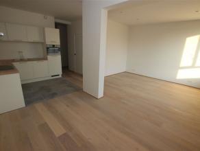 Volledig gerenoveerd appartement van ca 85 m² gelegen op de 4e verdieping van een renovatieproject.Zeer goede ligging en bereikbaarheid door tal
