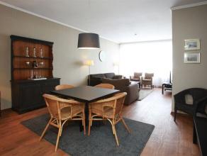 Gemeubeld 2 slaapkamer appartement in perfect onderhouden staat met autostaanplaats, zéér centraal gelegen op boogscheut van winkels, op