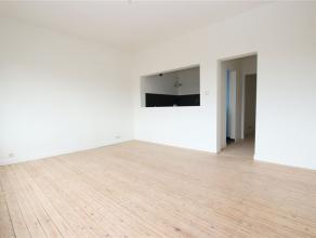 """Volledig gerenoveerd 2 slaapkamer appartement te Bechem """"Pulhof"""". indeling: hall, living, uitgeruste keuken, 2 slaapkamers, toilet, badkamer met inloo"""
