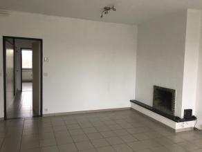 Centraal en rustig gelegen appartement Op de 2° verdieping bevindt zich een ruim (90m²) appartement met 2 slaapkamers en grote berging.Het ap