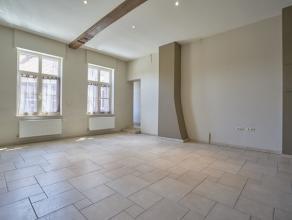 Coup de coeur pour ce superbe appartement spacieux et lumineux ! Vous tomberez sous le charme de ses volumes et de sa conception il vous offre un &eac