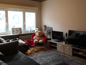 Ruim twee slaapkamer appartement op wandelafstand van openbaar vervoer en winkels. Het appartement is gelegen nabij invalswegen (R4 en E34).<br /> Ind