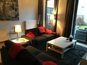 Recent twee slaapkamer appartement met tuin, gelegen op wandelafstand van Sint-Pietersstation.<br /> Indeling: Inkomhal met apart toilet. Woonkamer me