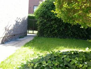 - Appartement volledig naar zuid-tuin gelegen<br /> - Zeer ruime woonkamer<br /> - Verzorgde keuken<br /> - Aparte wasberging<br /> - Badkamer met lig