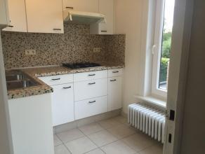 Ruim Appartement te TurnhoutLigging: rustig gelegen, doch vlakbij winkels, openbaar vervoer, Utoopolis, scholenIndeling: Gang, leefruimten, keuken, cv