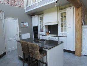Rustig gelegen, gerenoveerde woning op een perceel van 3224m².Woning met 3 a 4 slaapkamers en aangelegde tuin met tuinhuis. Centraal gelege