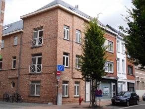 Duplexappartement (138 m²) met2 tot 3slaapkamers en terrasLigging: Gelegen in het centrum van Lier. Op wandelafstand van bakkers, beenhouwer, apo