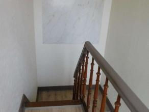 Woning (147m²) met 2 slaapkamers, 2 woonkamers en zonnig tuintje. Centraal gelegen in Berlaar doch in een rustige straat. Klein beschrijf mogelij