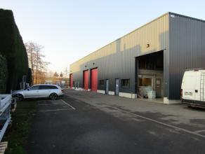 Magazijn/opslagplaats, kantoor + mezzanine boven.perfect gelegen aan de afrit Herentals industrie.Elektrische poort4 parkeerplaatsen zijn inbegrepen i