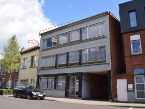 Ruim en instapklaar 2 slaapkamer appartement Ligging: De woning is gelegen net buiten het centrum van Lier. Gratis parking 'Zaat' is gelegen op 150 me