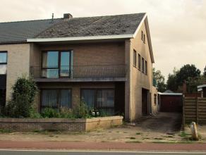 Te renoveren ruime woning met 3 slaapkamers.Goedgelegen vlakbij het centrum van Balen.Indeling: Inkomhal, woonkamer, keuken, kelder, badkamer, wasplaa