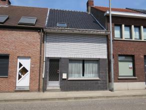 De woning is deels te renoveren en beschikt over een grote tuin met achteraan een servitudeweg. Het pand is gelegen tegen het centrum van Turnhout nab