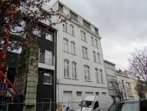 Gerenoveerd 1 slaapkamer appartementLigging: Gunstig gelegen nabij Park Spoor Noord en Oost, Sportpaleis, op- en afrittenAntwerpse ringen singel.Openb