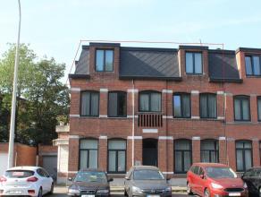 Een instapklaar dakappartement met 2 slaapkamers en parkeergelegendheid op een boogscheut van AntwerpenLigging: het appartement is gelegen aan de stad