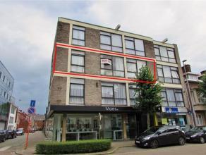 Gerenoveerd appartement met 2 slaapkamers Ligging: Gelegen in het centrum van Herentals op een boogscheut van de Grote Markt en de winkelstraat. Indel