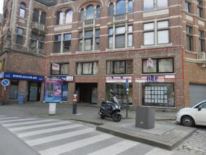 Instapklaar appartement in centrum Lier.Liggging: Centrum van Lier, op wandelafstand van winkels en openbaar vervoer.Omschrijving: Het appartement omv