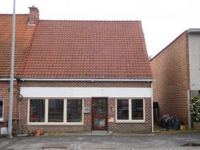 Ideaal gelegen handelshuis met woonst<br /> Ligging: Gelegen op de verbindingsbaan tussen Boortmeerbeek/Kampenhout en Haacht centrum. Zeer veel passag