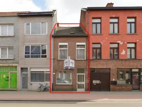 Te renoveren woning met o.a. 2  slaapkamers, zolder, klein terras en tuin.<br /> Klein beschrijf mogelijk!<br /> EPC = 561.<br /> <br /> Voor interact