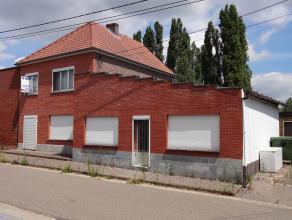 Te renoveren/op te frissen woning HOB gelegen op rustige locatie te Budingen, een deelgemeente van Zoutleeuw. Deze woning omvat op het gelijkvloers ee
