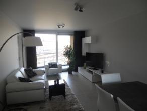 Recent (2012) appartement op de 1ste verdieping met 2 slaapkamers. Rustige ligging. <br />  <br /> Omvat: inkom, leefruimte met open keuken, ruim terr