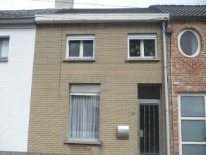 Woning met o.a. 2 slaapkamers, garage en tuin.<br /> Mogelijk klein beschrijf!.<br /> <br /> Voor verdere info of afspraak bel 0473 33 33 35.