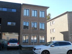 Instapklaar appartement met o.a. 2 slaapkamers en terras. Huren garage mogelijk ( €50/maand). Uitstekende ligging! EPC = 261. Voor verdere info of afs