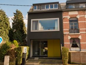 Instapklare en exclusieve woning, rustig gelegen aan de stadsrand in een doodlopende straat.<br /> Omvat o.a. leefruimte (180 m²) met open keuke