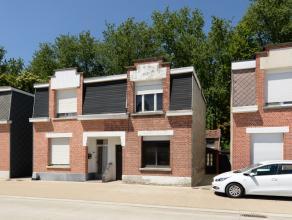 Te renoveren, karaktervolle arbeiderswoning met o.a. 3 slaapkamers. Voorzien van zij-ingang voor fietsen.<br /> Ideaal gelegen in Kessel op wandelafst