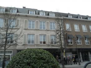 Instapklaar dakappartement met o.a. 2 slaapkamers, groot terras en lift met rechtstreekse toegang tot het appartement. Gelegen op een unieke locatie!.