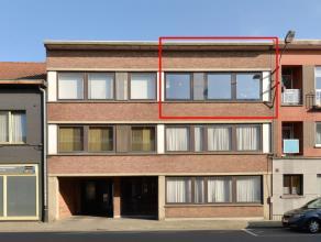 Prachtig vernieuwd appartement nabij het stadscentrum, openbaar vervoer, station en E19 (Antwerpen - Brussel). <br /> <br /> Dit appartement is gelege