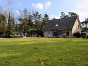 Prachtige villa gelegen te Retie met een totaal opp. van 3325m². Deze woning is residentieel gelegen op een hoekperceel in prachtige stille groen