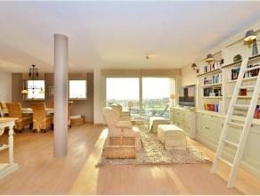 Dit stijlvol appartement is gelegen aan de Rederskaai te Zeebrugge. Het is gelegen op het 4de verdiep en heeft 2 terrassen waarop u kan genieten van h