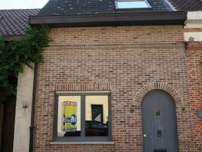 Kruishuisstraat 49 : euro 550 - de woning omvat een inkomhal, gezellige woonkamer met inbouwkast (vroegere alkoof) - comfortabele keuken met koepel, k
