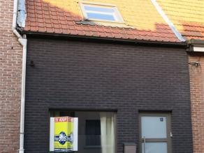 TOEGEZEGD Kruishuisstraat 13 : euro 670 : gerenoveerde, instapklare rijwoning - de woning omvat een gezellige woonkamer met open ingerichte keuken met