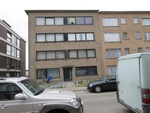 Duifhuisstraat 24 / 5 :euro 525 + euro 25 /p.p. :  LIFT - opgefrist appartement (nieuwe laminaat, nieuwe vloeren) op de 4de verdieping rechts,  rustig