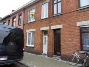 TOEGEZEGD Lokerenstraat 113 : euro 670: gerenoveerde nette rijwoning , vlakbij de ring en de nieuwe Campus Blairon gelegen - 2 slaapkamers -  grote st