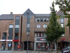 Ligging: In het centrum van Oud-Turnhout.Indeling: Inkomhal, toilet, woonkamer, keuken, berging, nachthal, badkamer, twee slaapkamers, terras, garage.