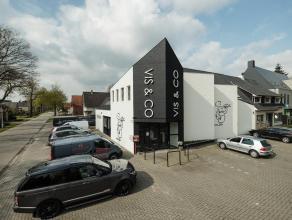 Ruim appartement (ca. 180 m²) met 4 slaapkamers, groot terras en autostaanplaats met een goede bereikbaarheid tov van centrum Oud-Turnhout en E34