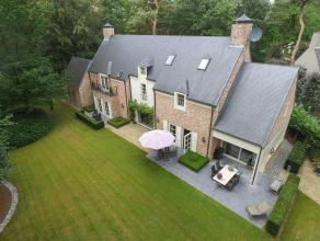 Gelegen op een toplocatie in de residentiële zone van Oud-Turnhout vinden we deze prachtige villa met hoogwaardige afwerking.Deze villa omvat een