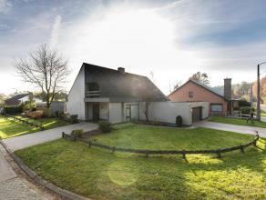Deze op te frissen vrijstaande woning op 908 m² met drie slaapkamers is gelegen in een rustige verkaveling te Vorselaar. Op het gelijkvloers, woo