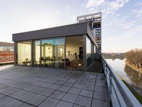 """Luxueuze penthouse loft van 177 m² met 57 m² dakterras in het gerenoveerde gebouw """"Antoine C""""."""
