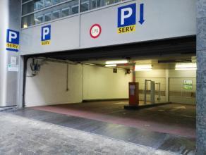 Emplacements de parking à louer avec formules d'abonnement mensuelles: disponible 5j/semaine de 7h à 21h. Prix 140 euros toutes charges