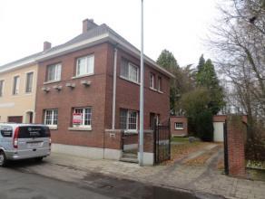 Mol : Guido Gezellestraat 21 : ruime en centraal gelegen woning met woonkamer, geïnstalleerde keuken, 4 slaapkamers, douchekamer, aparte wc, zold