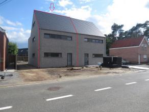 Mol ; Heidehuizen 50  : ruime nieuwbouwwoning met ruime woonkamer, geïnstalleerde keuken met bergplaats, aparte wc, boven zijn 3 slaapkamers, ber