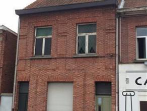 Te renoveren woning met vlotte verbinding net binnen de ring van Turnhout. Indeling gelijkvloers: living, keuken, salon, ruime veranda, badkamer met t