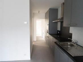 Volledig gerenoveerd appartement vlakbij Park Spoor Noord bestaande uit leefruimte, nieuwe volledig geïnstalleerde open keuken (frigo, diepvries,