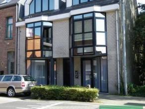 Gezellig centraal gelegen appartement op de 2de verdieping bestaande uit living met open ingerichte keuken, berging, badkamer met douche en aansluitin