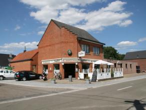 Handelspand op 10a89ca te Balen.De handelsruimte is momenteel ingericht als café met feestzaal en beschikt over een ruim terras.Bijhorende woon