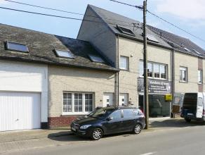 Charmante woning met 1 ruime slaapkamer gelegen in het centrum van Meerhout. Indeling: leefruimte, ingerichte open keuken, badkamer met ligbad en douc